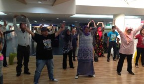 Exercise session as part of the Heart Health Talk activity held at Mabohai Shopping Complex.